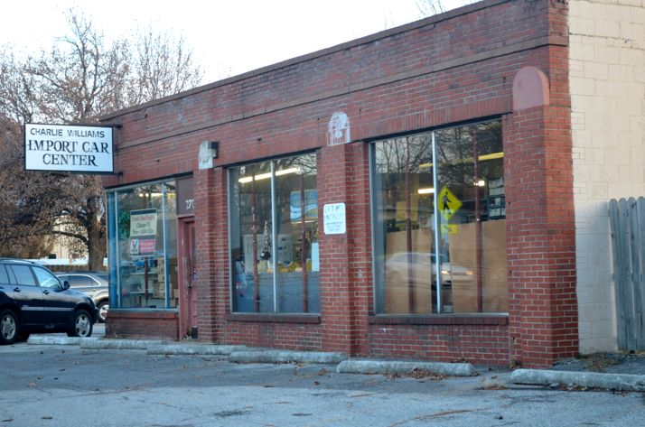 This existing auto repair shop on 47th Street at Belinder would become a new Lulu's restaurant under a proposal filed with the Westwood Planning Commission.