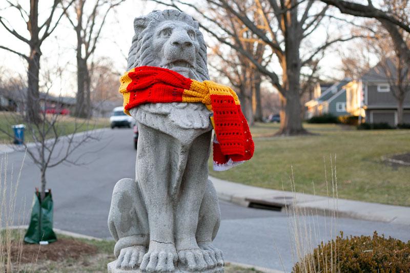 Prairie Village neighborhood statue with Chiefs scar